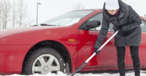 23-Must-Know-Tips-Safely-Drive-On-Icy-Roads-Car-Stuck