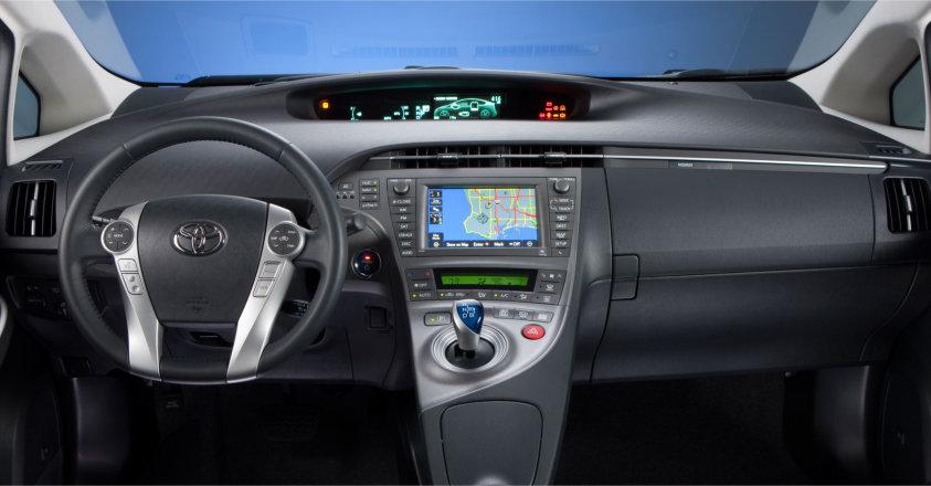 2014-Eco-Friendly-Toyota-Prius-Interior