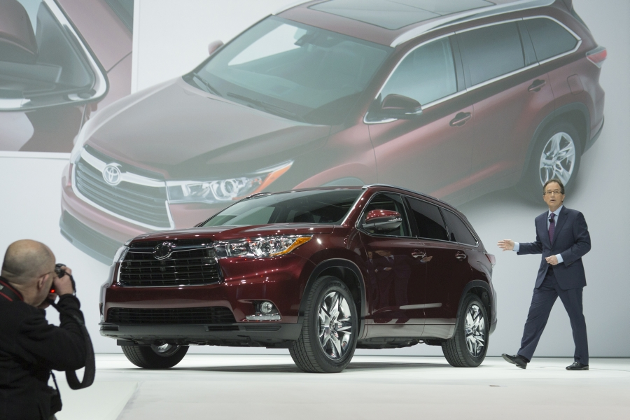 2014-Toyota-Highlander-Video-Walkaround-600px