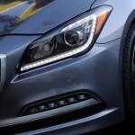 2015-Hyundai-Genesis-Price-Equipment-HID-Light