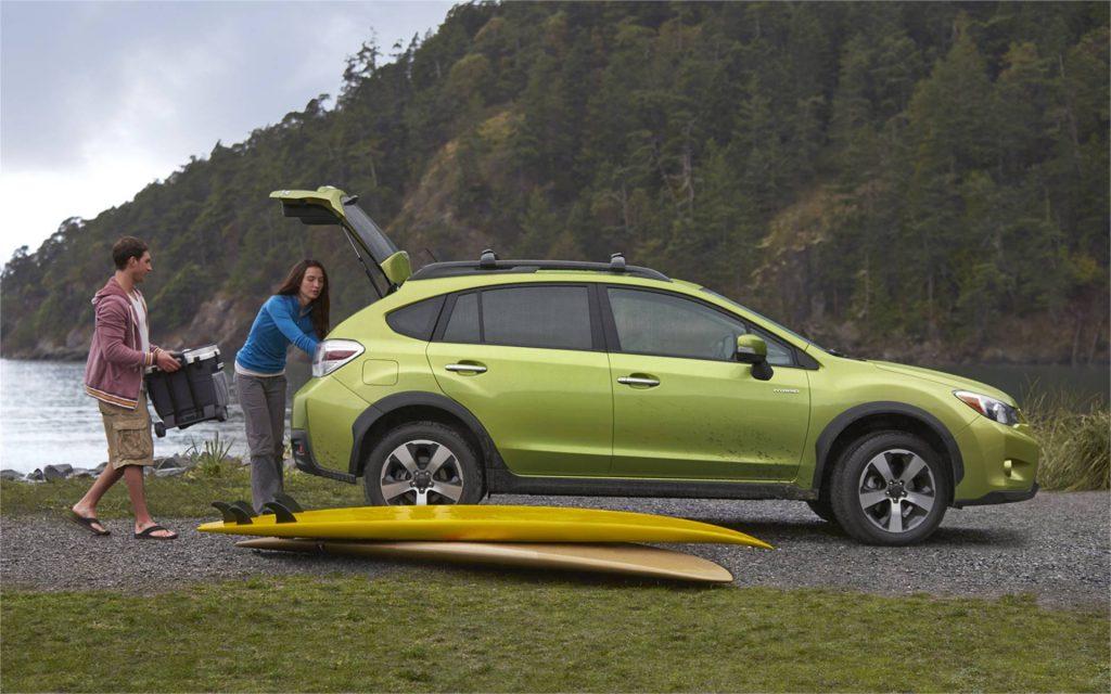 2014-Subaru-XV-Crosstek-Hybrid-LaFontaine-Spacious