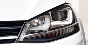 2015-Volkswagen-Golf-TDI-Xenon-Headlight