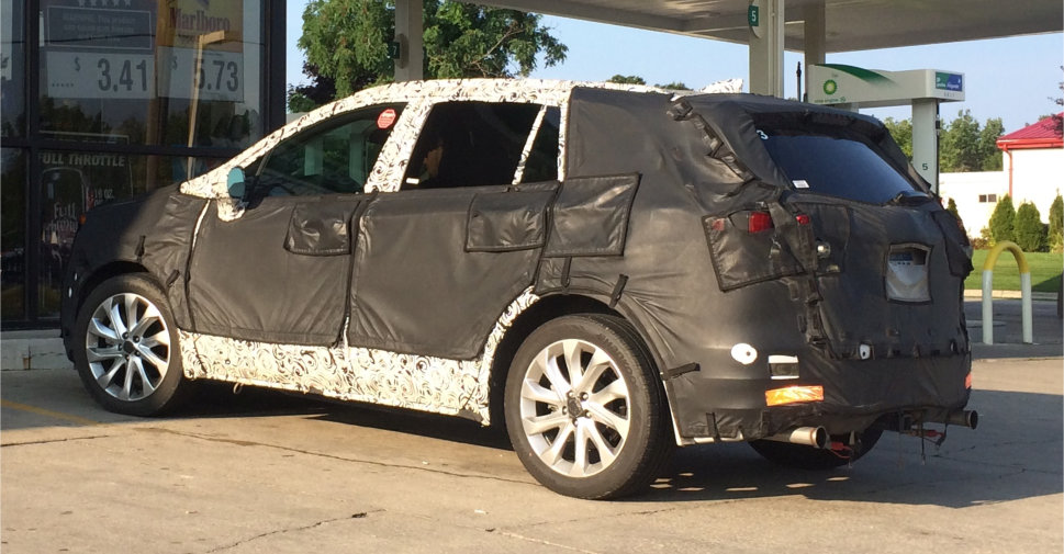 2015-2016-Buick-Envision-Spy-Shot-01