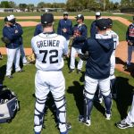 Detroit Tigers arrive for Spring Training 2015