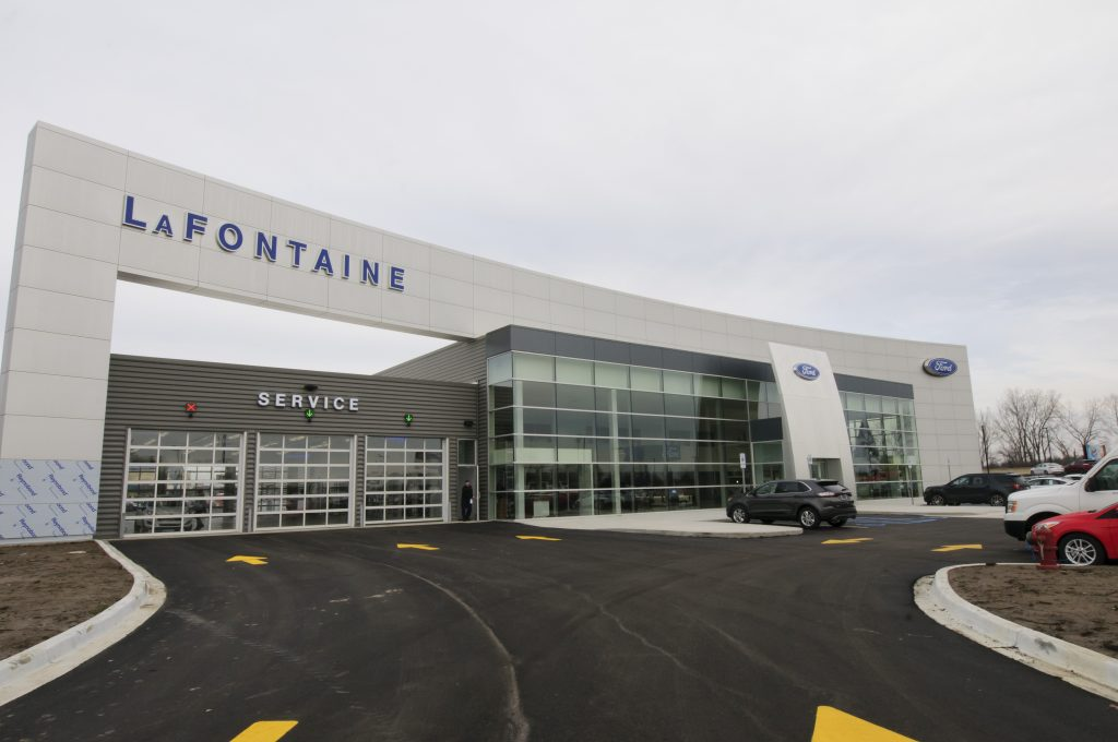 LaFontaine Ford of Birch Run Exterior Building